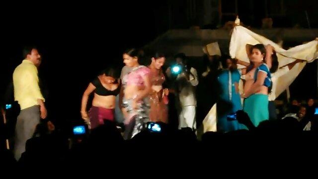 કલાપ્રેમી-ગળા-છોકરી સેકસી ગુજરાતી વીડીયા સાથે નકલી લોડો