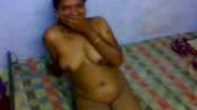 સાથે હોમમેઇડ ફુલ સેકસી વીડીયા પોર્ન અતીશય કામોત્તેજક છોકરી છોકરી સાથે ચશ્મા