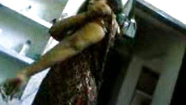 ગુદા પોર્ન સાથે વેલેન્ટાઇના રિક્કી સેકસી સેકસીવીડીયા (વેલેન્ટાઇના રિક્કી) મોટા સ્તનો સાથે