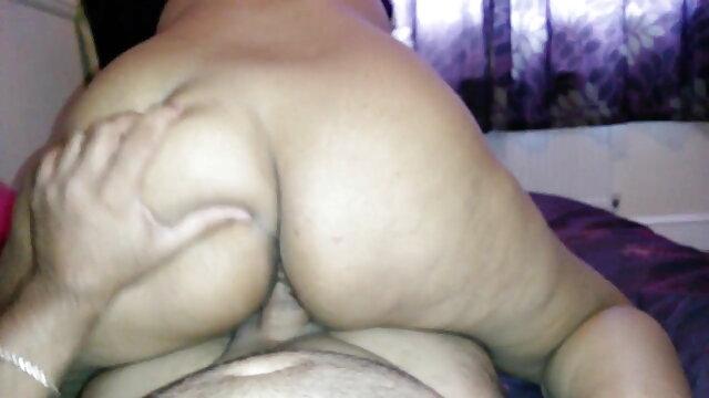 વ્યક્તિ fucks જૂની મહિલા ગુજરાતી સેકસી ફુલ વીડીયો સાથે વાળ વાળુ ભોસ ચુત