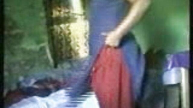 એક પુરુષ વેશ્યા ની એચ ડી સેકસી વીડિયો આંખો માં સ્ત્રીઓ